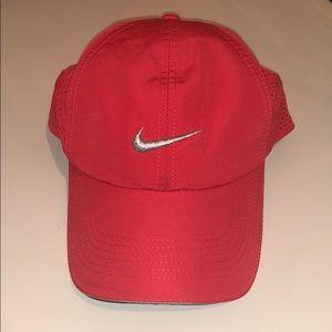 Nike Featherlight Cap 🧢
